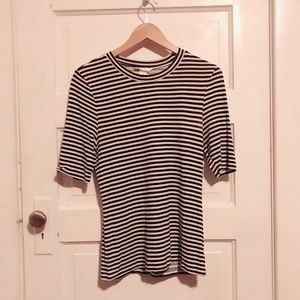 H&M | 90s vibes Striped tee
